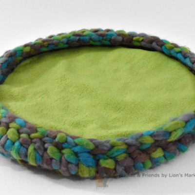 Crochet cat bed. Teal green and gray.