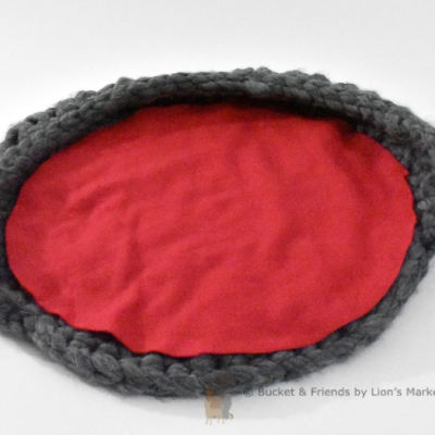 Crochet cat bed. Gray and red.