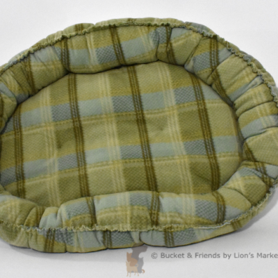 Warm snugly fleece dog bed. Size medium. Sage green plaid.