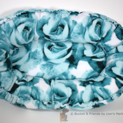 Warm snugly fleece dog cat pet bed. Size Mini. Blue roses.