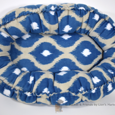 Warm snugly fleece dog cat pet bed. Size small. Blue and gray cat-eye.