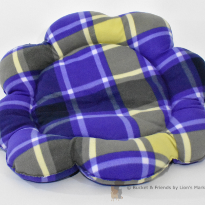 Warm snugly fleece dog cat pet bed. Flower style. Purple plaid.