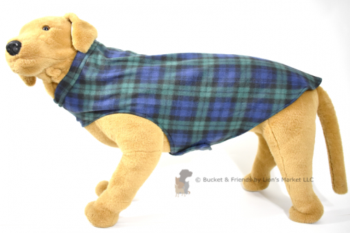 Soft and warm fleece dog coat size extra large by bucketandfriends.com. Navy blue and green plaid.
