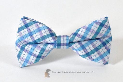 A perfect alternative to a bandana for your dog or cat. This fun bow will fasten your pet's collar or harness. See more at bucketandfriends.com