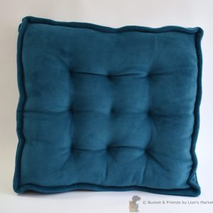 Thick luxurious fleece dog and cat bed by bucketandfriends.com