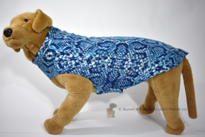 Soft and warm fleece dog coat size extra large by bucketandfriends.com. Blue snakeskin.